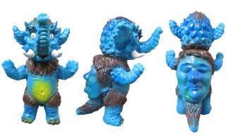 2015年11月21日のデザフェスvol.42でヤモマークが獏怪獣オーワダ、グラボラー、キンギョザウルス、ゴルゴンゾーラ、てんぐちん発売!
