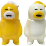 アレの見守りソフビ人形【EGG YELLOW】、【EGG WHITE】