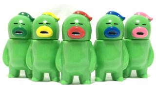 2016年4月1日より、キャラクターデザイナー・HARIKEN氏が「アレの見守りソフビ人形【グリーン5】」を発売開始!