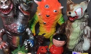 2017年4月15日にカフェバー・大怪獣サロンにて「MaxToyお蔵出しソフビ販売会」開催決定! 何が飛び出すのか? ただいま絶賛、店頭予約受付中!!