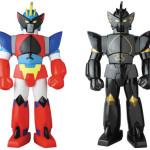 2017年6月24日受注開始! 海外メーカー・工匠堂のロボットソフビシリーズより『超合体魔術ロボ ギンガイザー』の「グランファイター」が日本正式発売決定!
