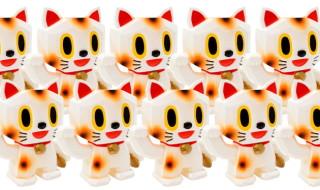 2017年7月30日の「WF2017夏」に参加する縁起物百貨店が「開運招福招き猫 白」を準備中!