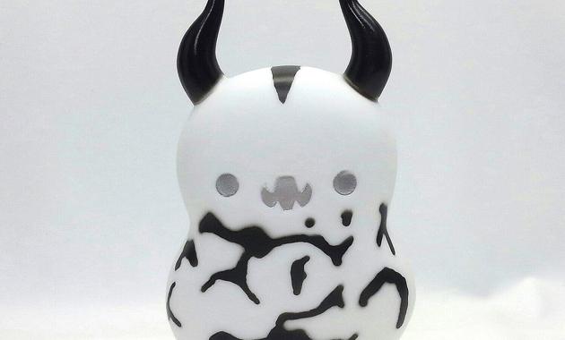西武岡崎店にて再び開幕する「ウルトラセブン ポップアップショップ」にてC-toy'sが、2017年8月26日より新たな「Bababaエレキング 白」を発売!
