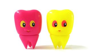 2018年4月29日の「スーパーフェスティバル77」へ出店する木内歯科医院は「臼歯のキューシーちゃんミニ (ピンク / イエロー)」を準備中!