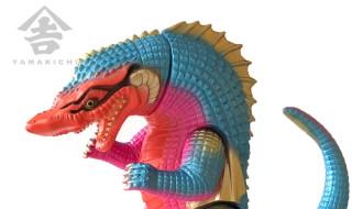 2018年8月29日12時よりショップ・山吉屋にて「【山吉屋オリジナル】怪獣ソフビシリーズ ワニラ(和邇羅) 」の「第2期カラー」を発売開始!