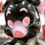 2020年3月20日0時よりBlackBook ToyがFrank Kozikとの「Piggums Kuro Buta」を発売開始!