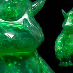 Toy Art Galleryにて Spanky Stokes(スパンキーストークス)との「Stroll(ストロール)Shamrock Color - Clear Green Sofubi with Tinsel」が発売される!