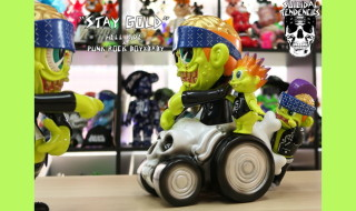 "BlackBook Toyが最新作「HELL RIDE ""Stay Gold""」と「PUNK ROCK BOY ""Stay Gold""」を準備中!"